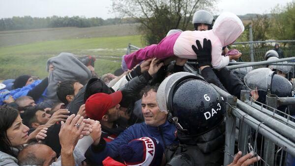 Migranti na hranici v Chorvatsku - Sputnik Česká republika