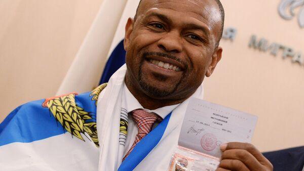 Boxer Roy Jones dostal průkaz občana Ruska - Sputnik Česká republika