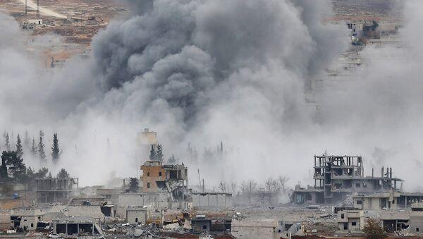 Bombardování USA v Sýrii - Sputnik Česká republika