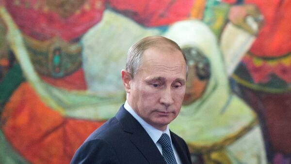 Ruský prezident Vladimir Putin na výstavě v moskevském Státním historickém muzeu - Sputnik Česká republika