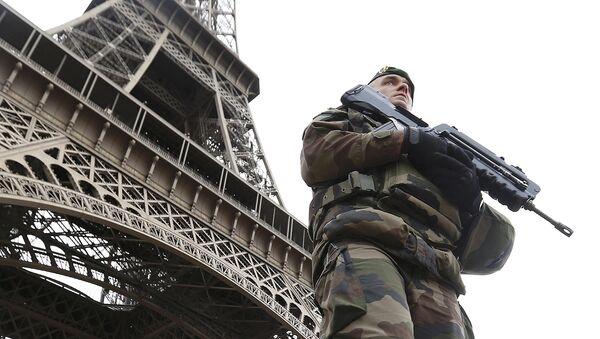 Francouzský voják po útokům v Paříži - Sputnik Česká republika