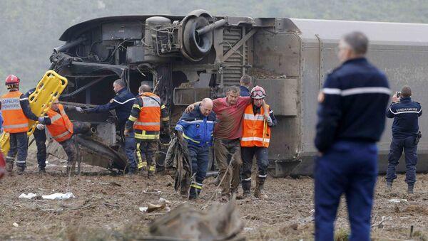 Zkušební vlak vykolejil ve Francii, pět lidí zahynulo - Sputnik Česká republika