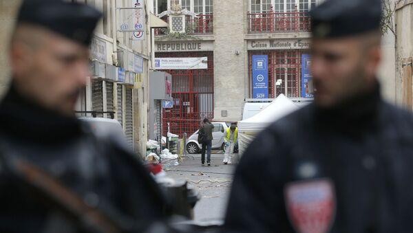 Policisté v Paříži - Sputnik Česká republika