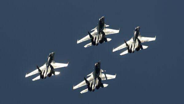 Stíhačky Su-27 a Su-30 - Sputnik Česká republika