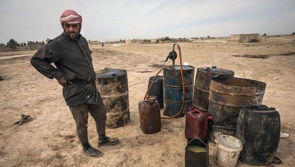 Nádrže s ropou, Sýrie - Sputnik Česká republika