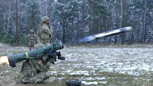 Zkoušky raketometů Javelin ve zpomaleném záběru - Sputnik Česká republika