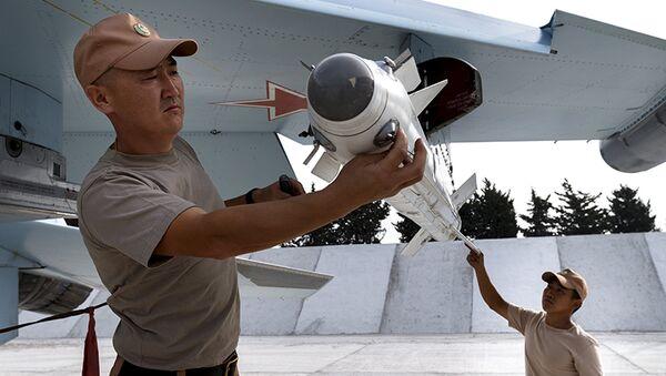 RF bude i nadále poskytovat podporu Sýrii, včetně vojenské - Putin - Sputnik Česká republika
