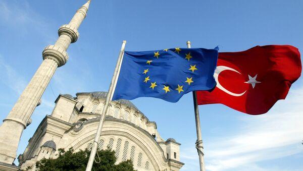 Vlajky EU a Turecka - Sputnik Česká republika