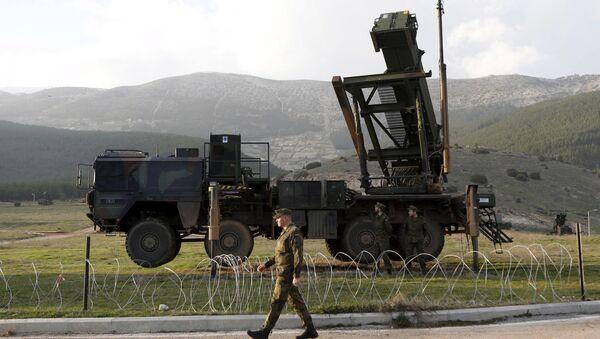 Německý voják vedle systému Patriot na turecké základně - Sputnik Česká republika