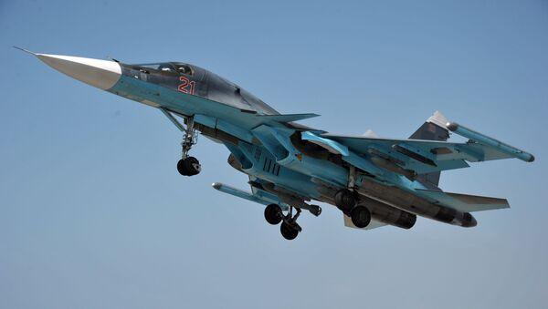 Su-34 má mnohofunkční radiolokační systém s aktivní fázovanou anténní mřížkou s předním výhledem - Sputnik Česká republika