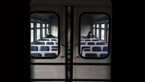 První vlak Jasinovataja – Luhansk - Sputnik Česká republika
