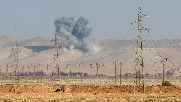 Výbuch letecké bomby FAB-500 v Sýrie - Sputnik Česká republika
