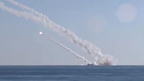 Ponorka Rostov na Donu odpaluje rakety 3M-54 Kalibr (Klub) - Sputnik Česká republika