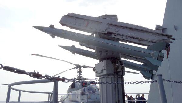 Moskva je určena k podpoře protivzdušné obrany, na to má 64 rakety třídy S-300 - Sputnik Česká republika