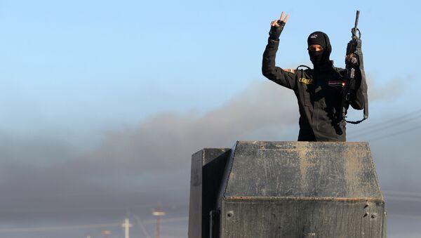 Bojovníci IS obsadili tábor Džebhát an-Nusrá - Sputnik Česká republika