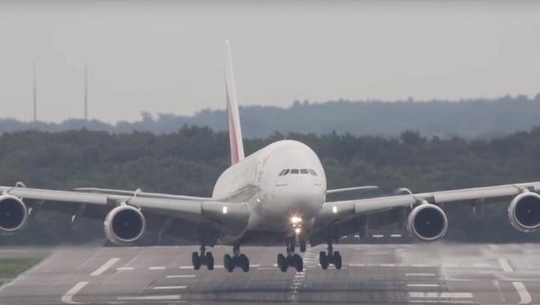 Nejlepší videa 2015: přistání letadla - Sputnik Česká republika