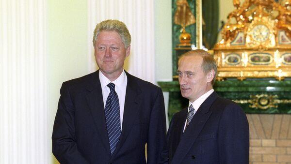 Bill Clinton a Vladimir Putin - Sputnik Česká republika