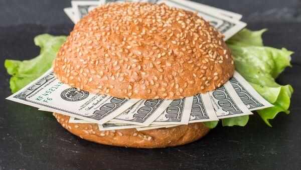 Dolary v hamburgeru - Sputnik Česká republika