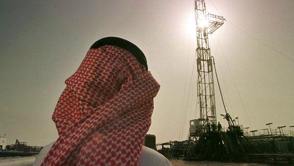 Těžba ropy v Saúdské Arábii společností Saudi Aramco - Sputnik Česká republika
