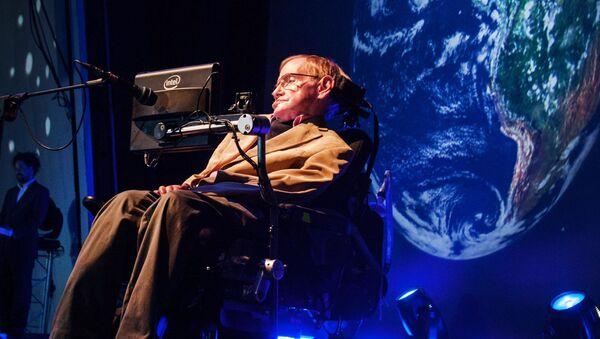 Stephen Hawking  během prezentace - Sputnik Česká republika
