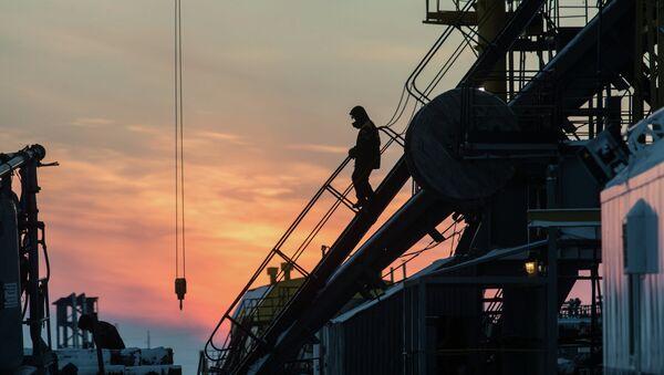 Těžba ropy v Rusku - Sputnik Česká republika