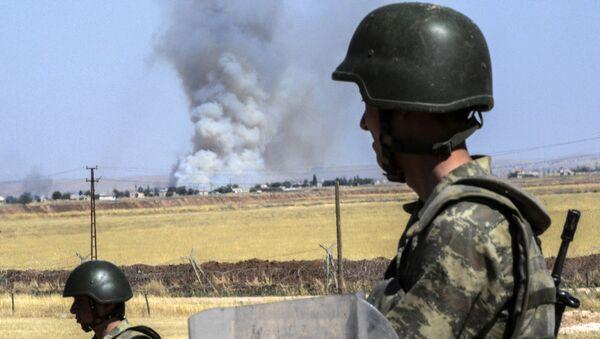 Turečtí vojáci na syrské hranici - Sputnik Česká republika