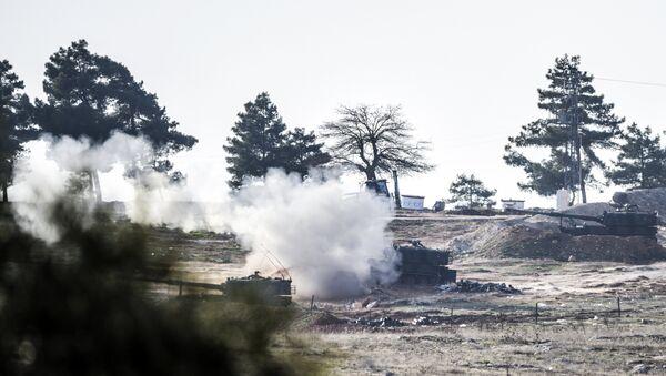 Turecké tanky ostřelují Sýrii - Sputnik Česká republika