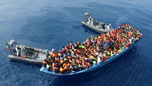 Migranti v Středozemním moři - Sputnik Česká republika