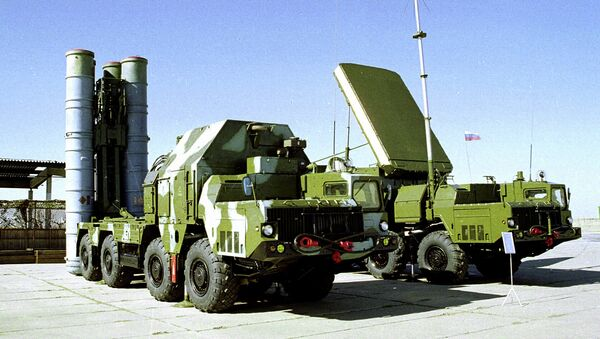 Ruský mobilní protiletadlový raketový systém S-300 - Sputnik Česká republika