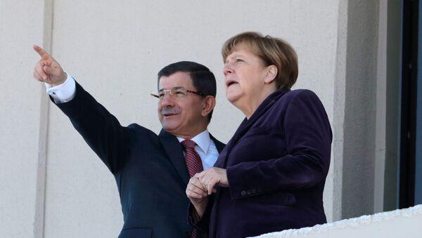 Angela Merkelová a Ahmet Davutoglu - Sputnik Česká republika
