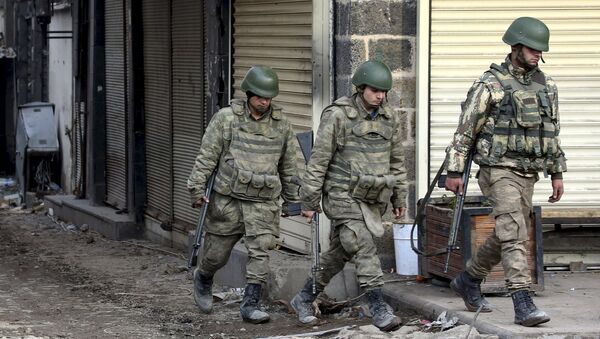 Turečtí vojáci v obvodě Sur města Diyarbakır - Sputnik Česká republika