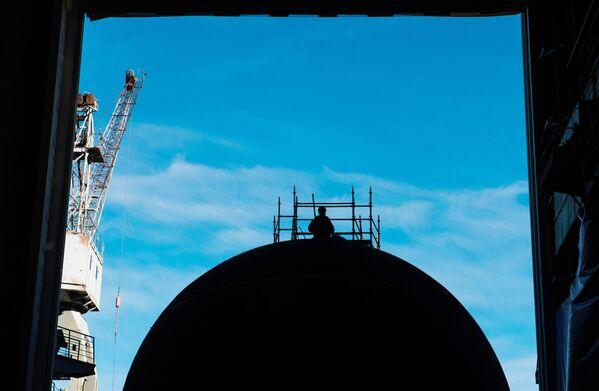 Spouštění nové ponorky Velikij Novgorod na vodu - Sputnik Česká republika