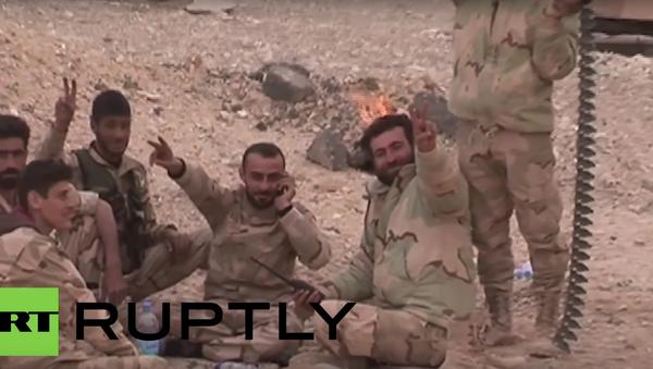 Novináři RT osvobozují spolu s vojáky syrské armády Palmýru - Sputnik Česká republika