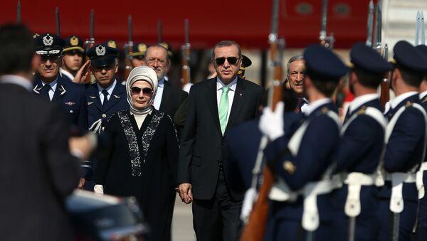 Turecký prezident Recep Tayyip Erdogan s manželkou - Sputnik Česká republika