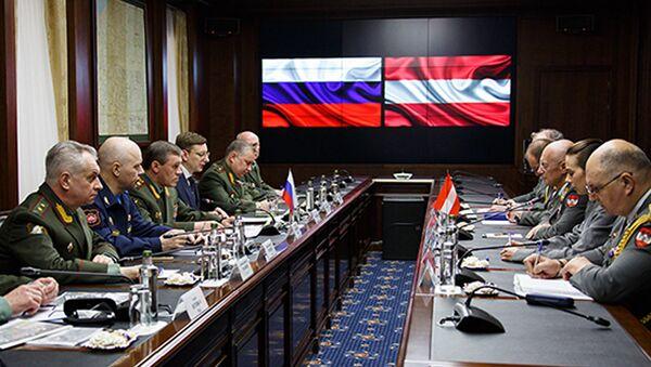 Jednání náčelníků Generálních štábů OS Ruska a Rakouska - Sputnik Česká republika