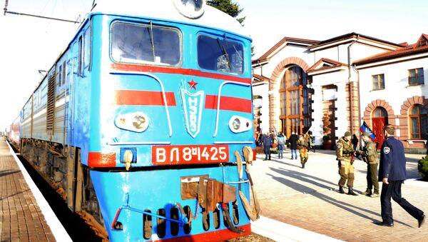 Osobní vlak na trase Jasinovataja-Kvašino-Uspenskaja - Sputnik Česká republika