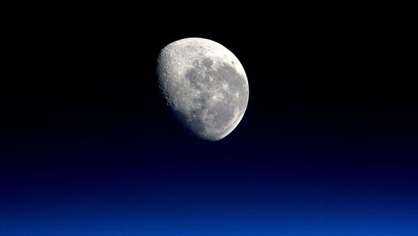Foto Měsíce astronauta Tima Peake - Sputnik Česká republika