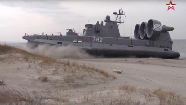 """""""Útok"""" největší na světě ruské lodě na vzduchovém polštáři - Sputnik Česká republika"""