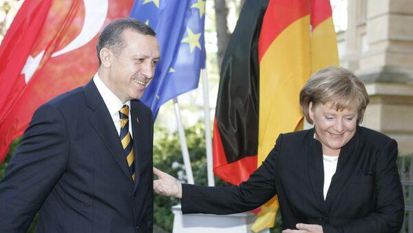Tayyip Erdogan a Angela Merkelová - Sputnik Česká republika