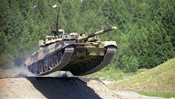 T-80 je první na světě sériový tank s jedinou plynovou turbínou, který předčí nejdokonalejší světové analogy - Sputnik Česká republika