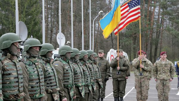 Američtí a ukrajinští vojáci - Sputnik Česká republika