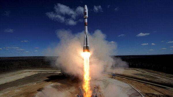 Start nosné rakety Sojuz-2.1a z kosmodromu Vostočnyj - Sputnik Česká republika