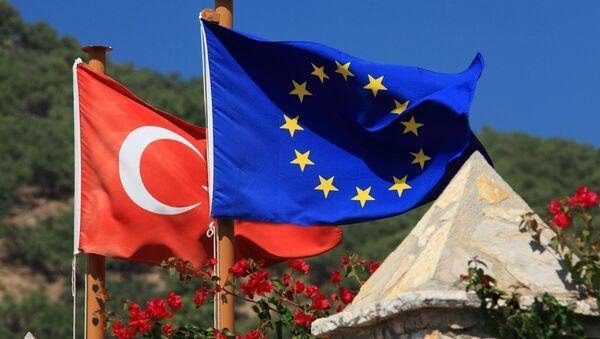Vlajky Turecka a EU - Sputnik Česká republika