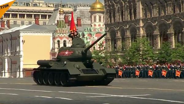 Ruský vojenský hardware na přehlídce Dne vítězství 2016. Video - Sputnik Česká republika