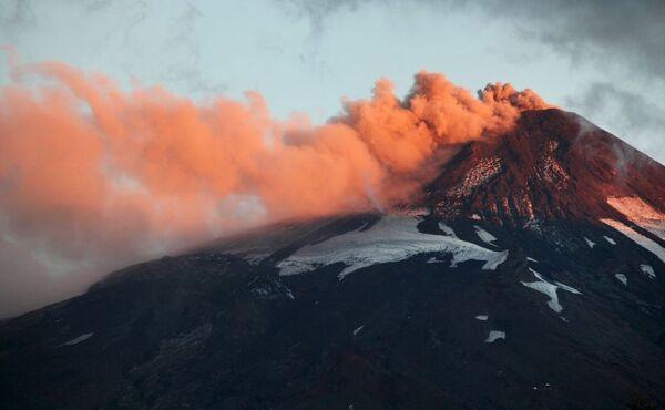 Erupce sopky Calbuco v Chile - Sputnik Česká republika