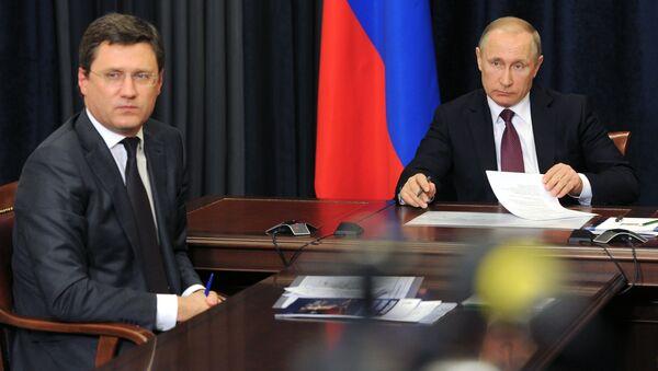 Vladimir Putin a Alexandr Novak - Sputnik Česká republika