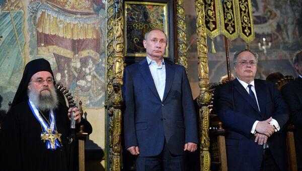 Vladimir Putin navštívil chrám Zesnutí přesvaté bohorodičky - Sputnik Česká republika