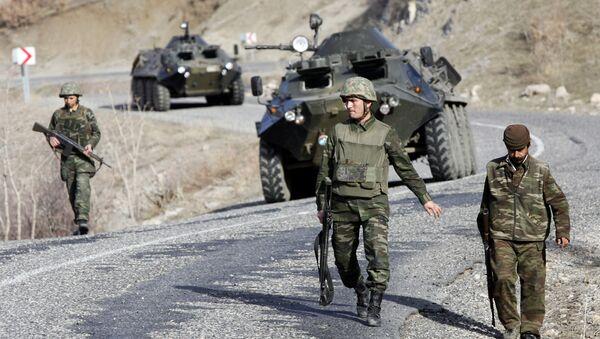 Turečtí vojáci na turecko-iracké hranici - Sputnik Česká republika