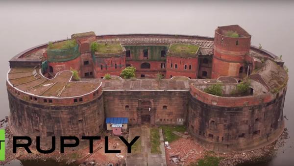 Video z ptačí perspektivy: pevnost Císař Alexandr I. v Petrohradě - Sputnik Česká republika