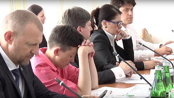 Savčenková usnula na zasedání Nejvyšší rady - Sputnik Česká republika